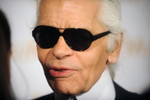 Karl Lagerfeld oli yksi vaikutusvaltaisimpia muotisuunnittelijoita.