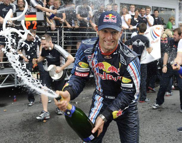 Mark Webberin riemulla ei ollut rajaa ensimmäisen F1-voiton jälkeen.