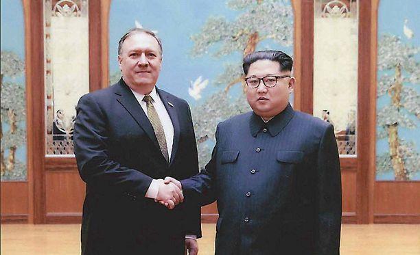 Yhdysvaltain uusi ulkoministeri Mike Pompeo tapasi Pohjois-Korean johtajan Kim Jong-unin Pjongjangissa keskiviikkona.