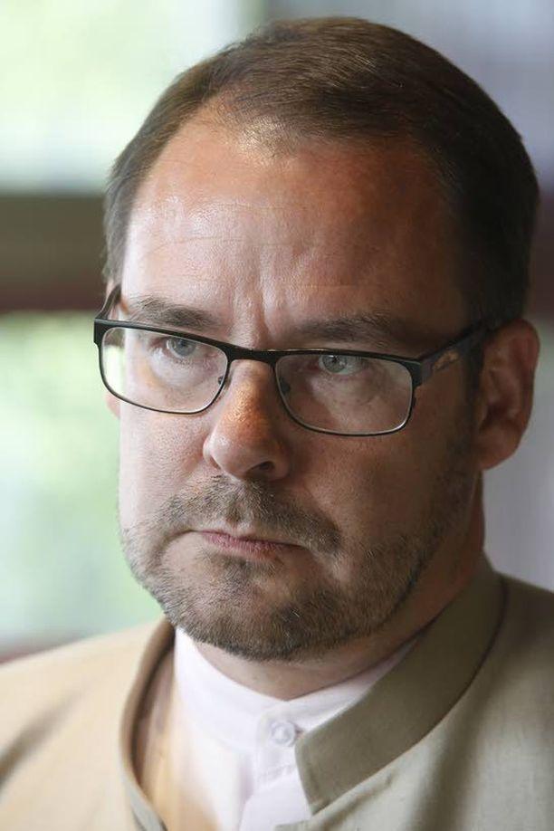 SDP:n puoluesihteeri Reijo Paananen ottaa painatusmokan täysin omalle vastuulleen.