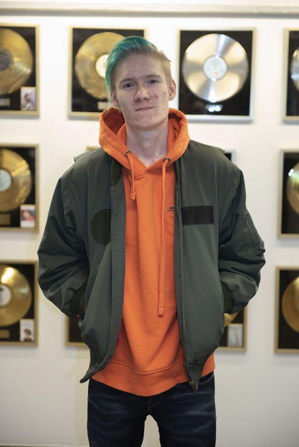Hertell tekee nykyään myös musiikkia. Uusi kappale ilmestyi Spotifyssa 18.4.