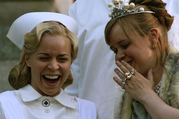 Vesala näytteli Arto Halosen Prinsessa-elokuvassa sairaanhoitaja Elsaa. Anna Lappalaista näytellyt Katja Küttner palkittiin roolistaan Jussilla.