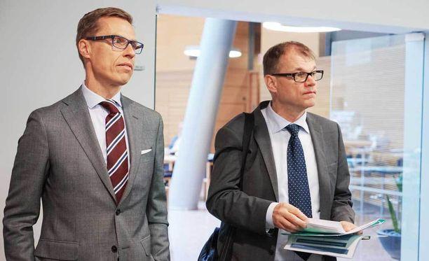 Valtiovarainministeri Alexander Stubb (kok) ja pääministeri Juha Sipilä (kesk).