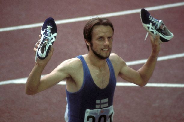 Lasse Virén ja Tigerin legendaariset juoksutossut Montrealin olympiakisoissa 1976.