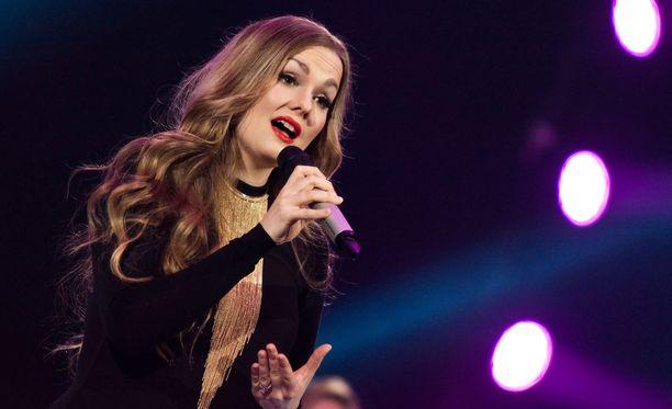 Emma Sandström haluaa osoittaa laulun sanat kiusaajilleen.