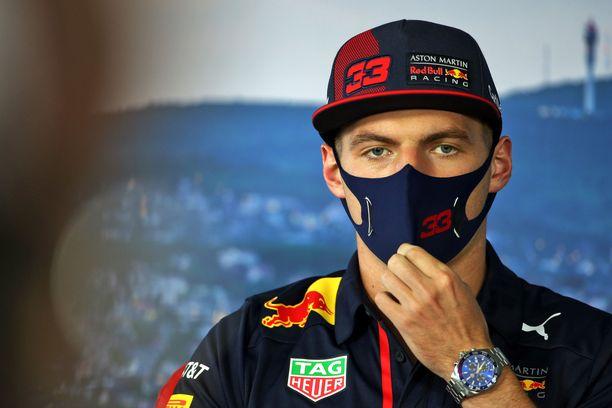 Max Verstappenia ja Red Bullia ei ole Unkarissa juuri naurattanut.