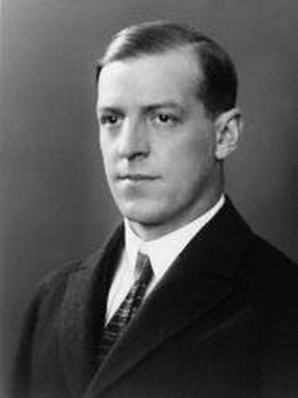 Algot Niska auttoi juutalaisia pakenemaan Saksasta 1938-1939.