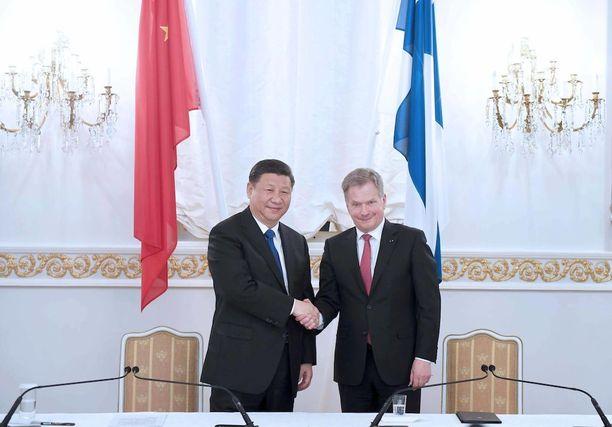 Sauli Niinistö kiitteli keskiviikkona vuolaasti Kiinan presidentin kanssa käytyjä keskusteluja. Xi puolestaan onnitteli omassa lausunnossaan 100-vuotiasta Suomea.