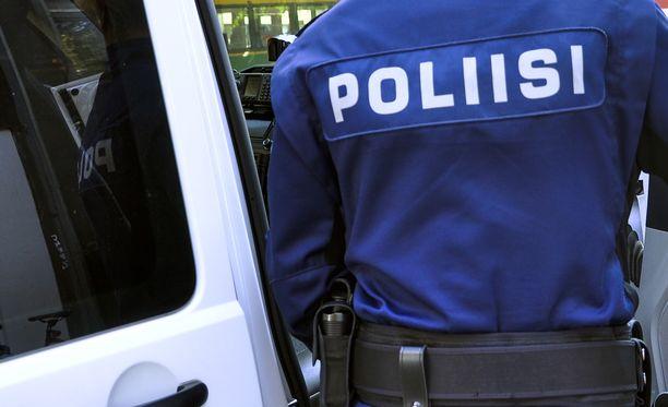 Poliisi kertoo tiedottavansa epäillyn etsinnän etenemisestä Twitter-tilillään. Kuvituskuva.
