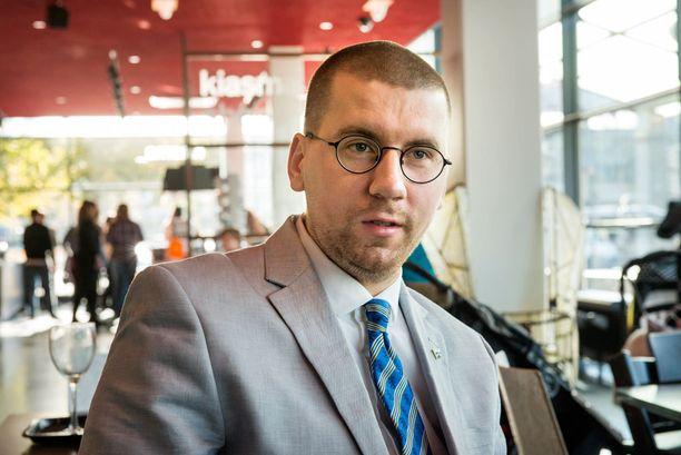 PS-nuorten puheenjohtajan Sebastian Tynkkysen islamia koskeva kirjoittelu on kerännyt syytöksiä kiihottamisesta kansanryhmää vastaan.