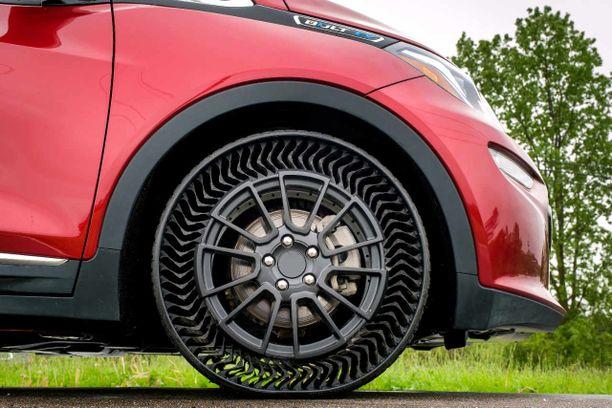 Sivulta katsottuna rengas on läpikatsottava eli varsin ilmava ilman ilmaa.