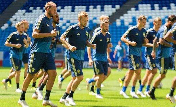 Ruotsi kohtaa Englannin kello 17 Suomen aikaa.