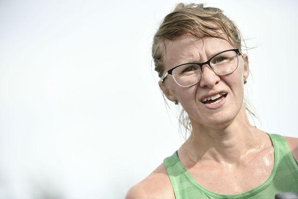 Tiia Kuikka palasi kisoihin viime kesänä, vaikka auto-onnettomuuden vammat hankaloittavat edelleen elämää.