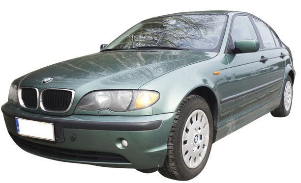 BMW 3 -sarjan auto on vuosimallia 1999, ja sen hinta on 112 000 kilometriä ajettuna 6 990 euroa. Tästä on hyvä lähteä rakentamaan.