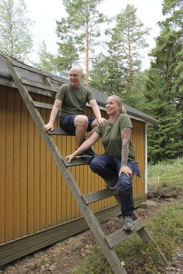 Mikko ja Vilja jakavat jaksossa vinkit siihen, millainen kuntotarkastus talven tyhjillään olleelle mökille kannattaa tehdä.