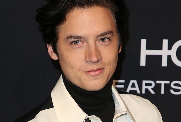 Nykyisin Cole tähdittää suosittua Riverdale -sarjaa.