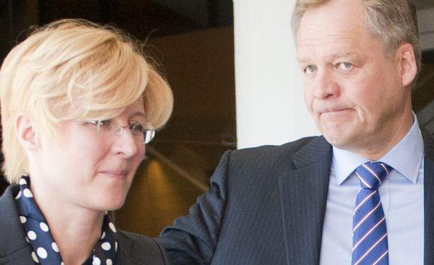 STT:n päätoimittaja Kari Väisänen ja toimittaja Johanna Aatsalo-Sallinen tuomittiin tuolloin julkisesta herjauksesta sakkoihin.