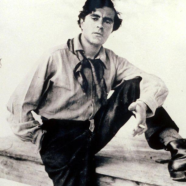Modigliani oli tavattoman tuottoisa. Pariisin vuosinaan 1906-1920 hän teki noin 420 maalausta, lukemattomia piirrustuksia sekä 31 veistosta.