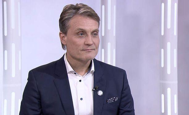 Mika Kojonkoski ilmoitti keskiviikkoaamuna jättävänsä tehtävät Suomen olympiakomitean huippu-urheiluyksikön johdossa. Hänen viisi vuotta kestänyt pestinsä päättyy kesäkuun lopussa.