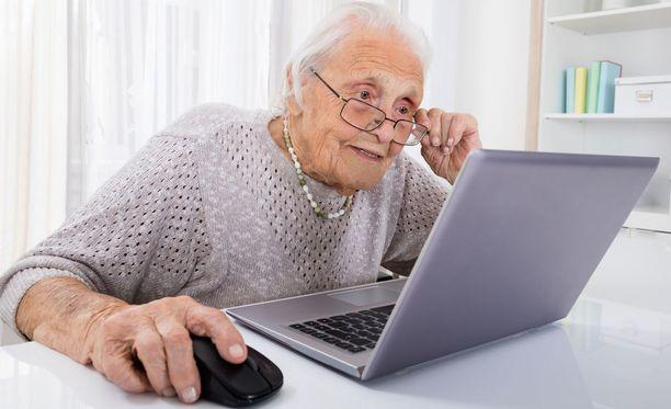 Tietokoneella pelattava peli voi pitää dementiaa loitolla.