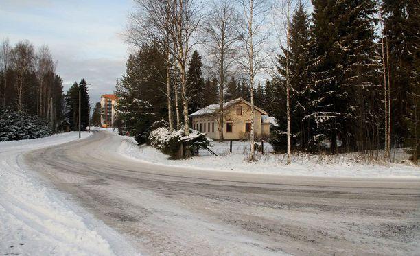 Epäilty rikos tapahtui Kempeleen Asemantiellä myöhään maanantai-iltana. Uhrina oli 14-vuotias tyttö.