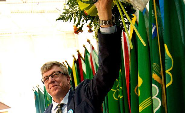 Puoluesihteeri Timo Laaninen (kesk) valittiin toiselle kaudelle vuonna 2014.