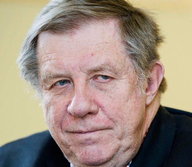 Kokoomuksen Eero Lehti upotti vaalikampanjaan melkein 100 000 euroa.