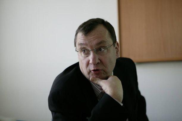 Arkistokuva Rauno Puolimatkasta. Vuonna 2010 Iltalehti kertoi, että A-streptokokki-bakteerin aiheuttaman keuhkokuumeen ja verenmyrkytyksen jälkiseurauksena Puolimatka sokeutui 52-vuotiaana.
