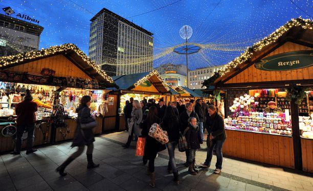Perinteiset joulumarkkinat avataan ensi viikolla monissa saksalaiskaupungeissa. Arkistokuva Essenin joulutorilta.