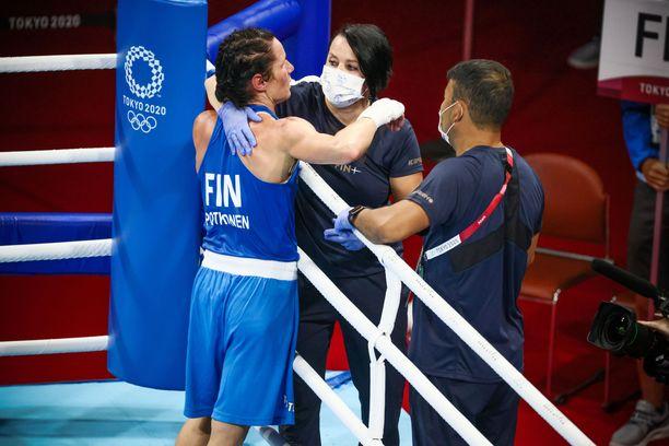 Mira Potkonen kaipasi kipeästi verryttelyä ottelun jälkeen.