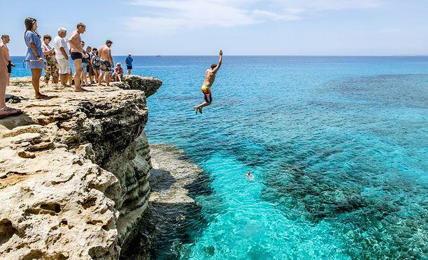 Hyppää kesään etuajassa!