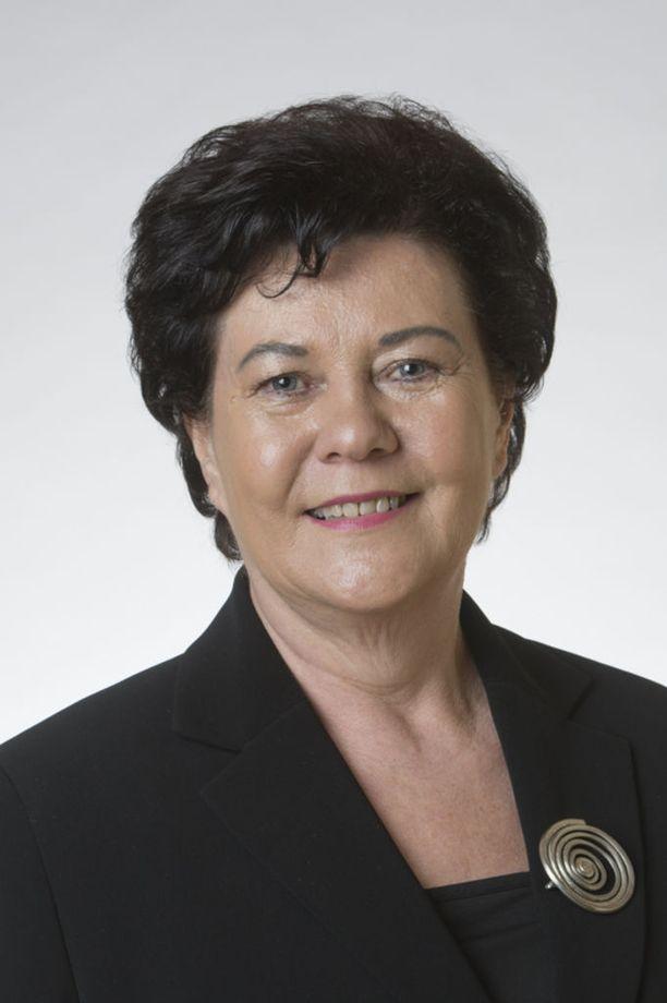 Kansanedustaja Aila Paloniemi (kesk) pitää tärkeänä, että jo solmitut pakkoavioliitot voitaisiin mitätöidä.