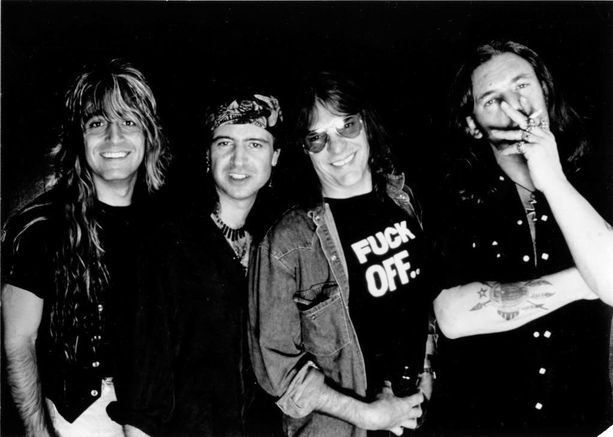 Motörheadin kokoonpano on vaihtunut lukuisia kertoja. Vuonna 1993 bändi näytti tältä.