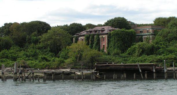 New Yorkin North Brother Islandille pääsevät vain harvat, ja hekin erityisluvan kanssa.