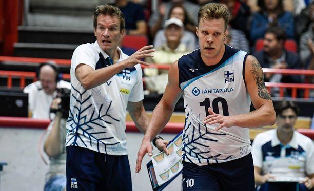 Tuomas Sammelvuon ja Urpo Sivulan Suomi hävisi huippujännittävän karsintapelin Romanialle.