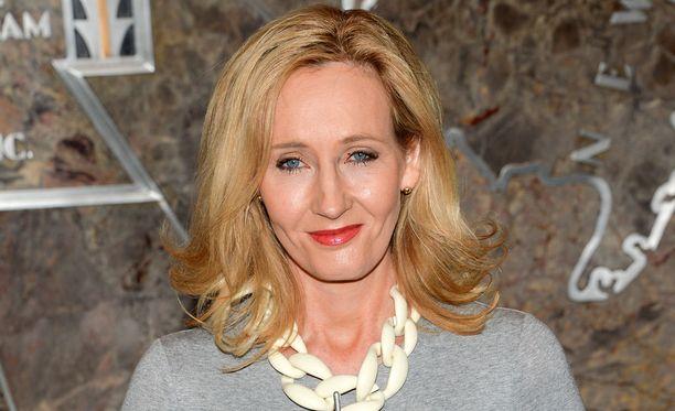 J.K. Rowling nousi maailmanmaineeseen Harry Potter -kirjasarjan myötä.