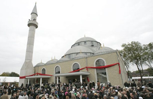 Saksan suurimman moskeijan hinnaksi tuli 7,5 miljoonaa euroa.