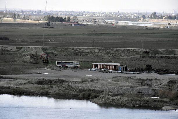 Isis pyrkii ajoittain länsirannalta Mosulin itäpuolelle.