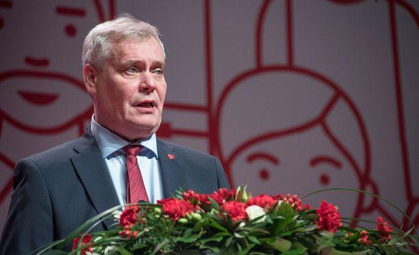 """Rinne ilmoitti myös, että SDP nostaa Eurooppa-politiikan väkevästi hallituksen agendalle """"kun SDP nousee pääministeripuolueeksi""""."""