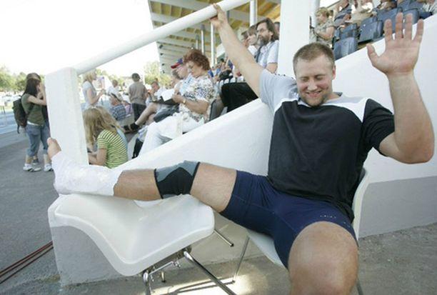Tuore Suomen mestari Robert Häggblom loukkasi nilkkansa harjoituksissa.
