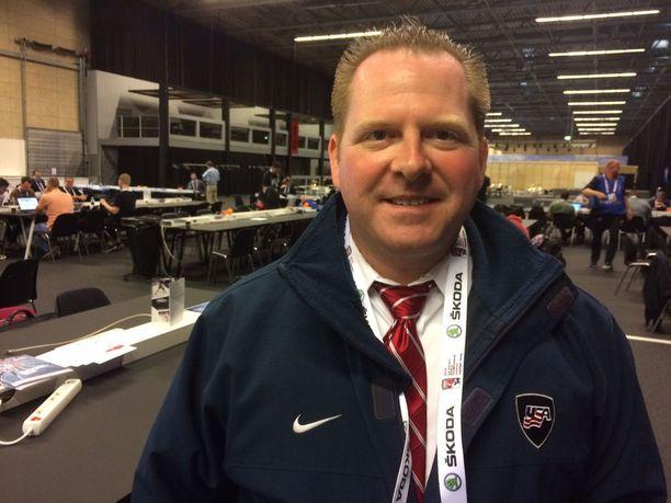 Michael Klein toimittaa USA Junior Hockey Magazinea.