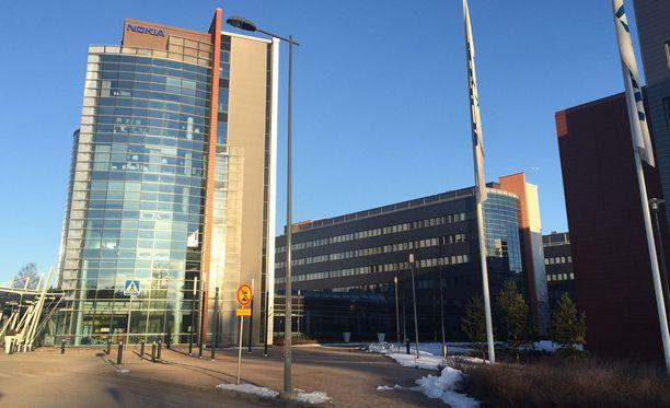 Suomalainen Nokia maksoi venäläiselle Megafonille ruotsalaisen Ericssonin valmistamista käytetyistä verkkolaitteista 43 miljoonaa euroa. Nokia toimitti laitteet suoraan romuttamolle.