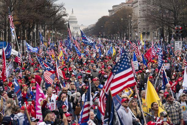 Presidentti Trumpin kannattajia Washington DC:ssä joulukuussa 2020