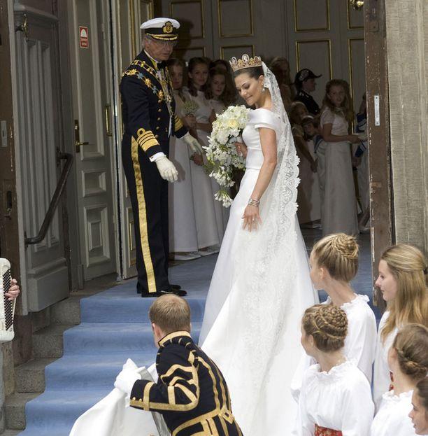 Prinsessan laahus oli useita metrejä pitkä.