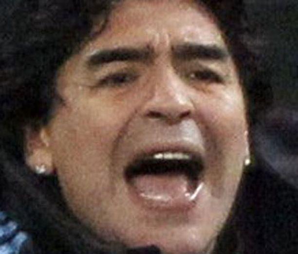 Maradonalle sattuu ja tapahtuu.