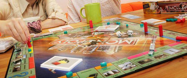 Monopoli-klassikkopelistä on viimein otettu kappale, joka sisältää oikeaa rahaa.