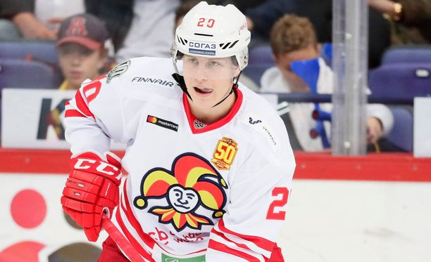 Eeli Tolvanen pääsi Nizhnekamskissa jäälle vain päätöserässä neljän vaihdon verran.