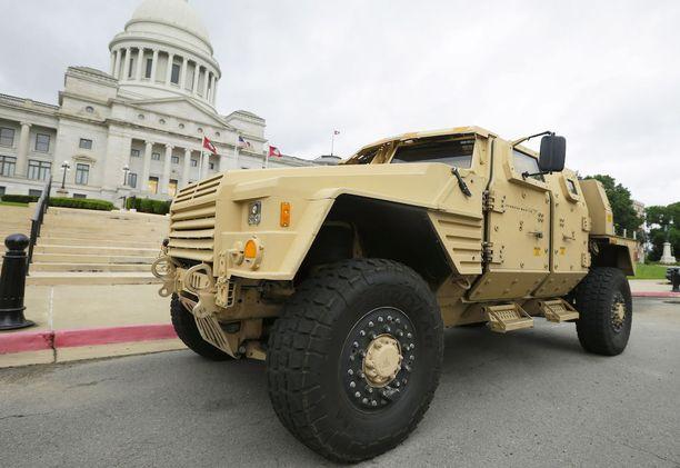 Lockheed Martinin prototyyppi Joint Light Tactical Vehicle -ajoneuvosta. Se voisi korvata yli 30 vuotta käytössä olleet Humveet.