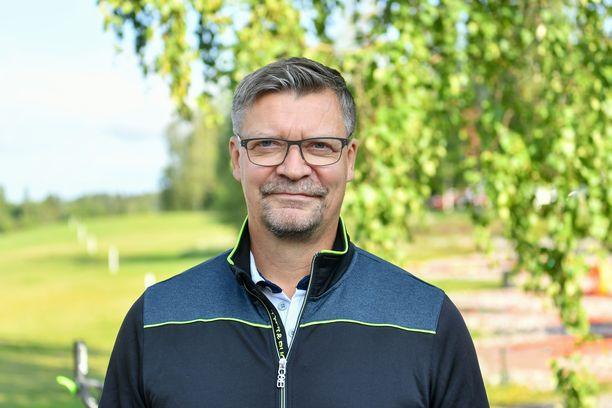 Jukka Jalonen jatkaa Leijonien peräsimessä.