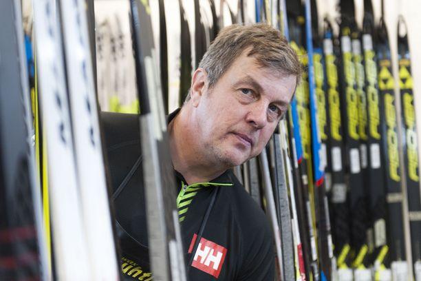 Arvostettu Ari Marjetta on toiminut pitkään Suomen suksihuollossa.